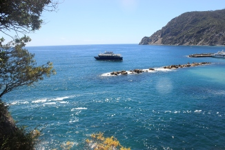 Hiking from Monterosso to Vernazza.